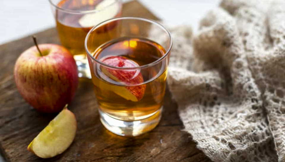 Repair Damaged Hair Follicles With Apple Cider Vinegar